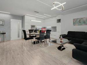 HERRYS - Na predaj krásny klimatizovaný 3izbový byt s priestrannou terasou, zimnou záhradou a garážo