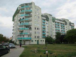 PREDAJ- priestranný 3-izbový tehlový byt s balkónom, 83m2, 5/9p.,Bebravská ul.,BA-Vrakuňa