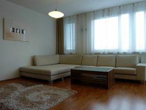 Priestranný 4-i byt na PRENÁJOM s parkovacím státim, BA - Karlova Ves