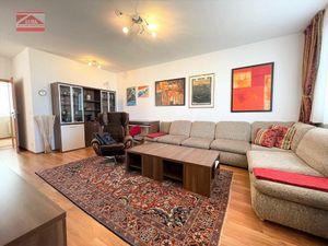 Ponúkame na prenájom priestranný 2-izbový byt s parkovaním v novostavbe na Kresánkovej ulici, 650,-E