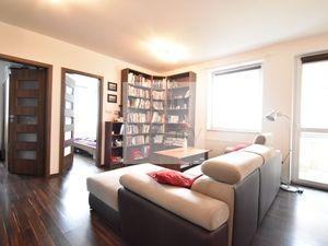 3 - izbový menší slnečný byt  38 m2 v tichej časti obce -  Rajka