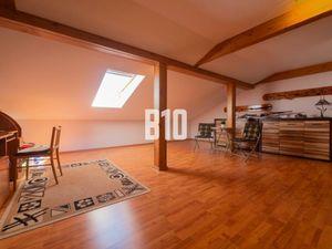 Veľký 3 izbový byt v žiadanej lokalite Dunajskej Stredy