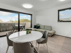 TEHELNÉ POLE - Krásny 3 izbový byt s veľkým balkónom, pre náročného klienta..