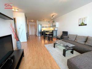 Ponúkame na prenájom zariadený 2-izbový byt s parkovacím miestom na Bajkalskej ulici v novostavbe II