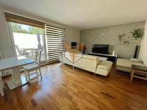 FOX - EXKLUZÍVNE * luxusný 4 izbový byt * Malý Paríž * historické centrum * terasa s rozlohou 96,41m