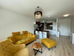 Rezervované: 2 izbový byt s terasou, parkovacím státím a kobkou v Arborii