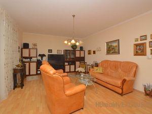 Predaj 3i priestranný RD 127 m2, pozemok 774m2,  centrum Rajky
