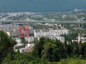 Súrne hľadám 2-izbový byt v Pov. Bystrici - sídlisko Lánska