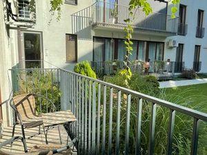 NA PRENÁJOM: Priamo v centre mesta krásne zariadený 3 izbový byt s terasou a parkovacím státím