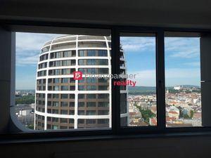 Prenájom 3-izb. luxusného bytu na Továrenskej ulici v Bratislave.