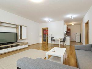 HERRYS, Na prenájom priestranný 2 izbový byt s balkonom v príjemnom prostredí Ružinova, Komárnicka u