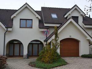StarBrokers – Prenájom – Atraktívny 4- izbový rodinný dom v Devíne s jacuzzi / Vermietung - 4-Zimmer