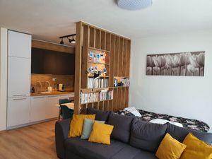 1 -izb.byt s parkovaním, kobkou, dlhodobý prenájom