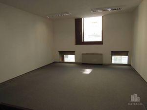 KONVENTNÁ - kancelária 50 m2 v novostavbe - Staré Mesto