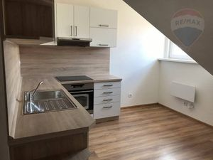 Na predaj 1 izbový podkrovný byt