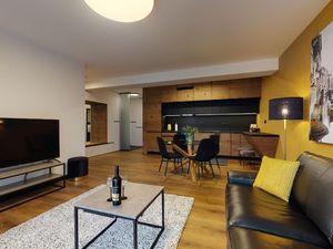 Reprezentatívny 3-izbový byt v centre, terasa, parkovacie státie