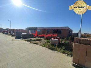 Novostavba luxusnej vili v TOP lokalite na veľkom pozemku v Šali