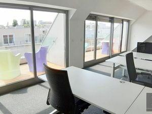 192 m2 (+13 m2 terasy) a 110 m2 (+17m2 zázemie) – priestory v štýlovej budove vo vysokom štandarde