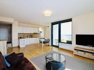 PRENÁJOM - Priestranný 3.izb byt na vysokom poschodí s pekným výhľadom