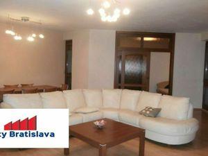 Byty Bratislava prenajme luxusný 4 - izb. byt, Drotárska cesta, BA I - Staré mesto.