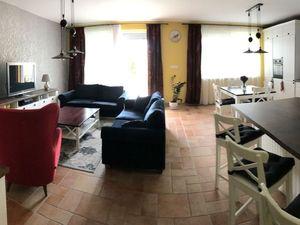 4 izbový byt 149 m2 v novostavbe s terasou a vlastnou okrasnou záhradkou o výmere 121 m2.