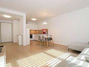 HERRYS, Prenájom nového 2 izbového bytu s garážovým státím v projekte BLUMENTAL