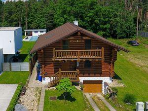 Na predaj - Zrubový dom 195 m² s terasou a garážou pre 2 autá