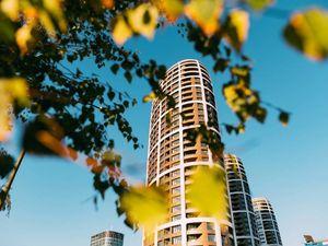 PREDAJ - SKY PARK - Slnečný 3-izbový byt na 19. poschodí vo VEŽI 1