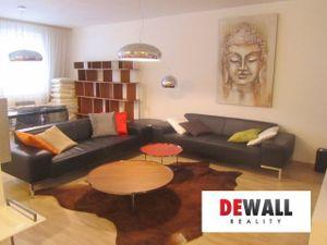Atraktivny 3 izbový byt na Kolibe s garážovým státim