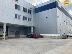 Nový sklad v modernej hale, admin. budova 390m2 a kancelárie 360m2.