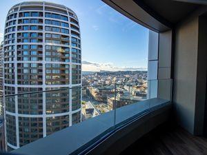 3D OBHLIADKA - 3 i. byt na 21. poschodí s výhľadom na hrad - Sky Park