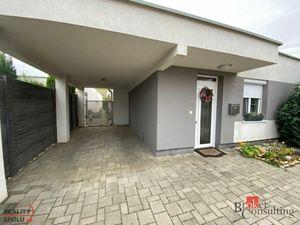 Na predaj 4 izbový dom s pekným pozemkom v Senci