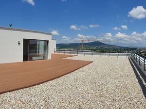 Posledný dokončený 4i penthouse s obrovskou terasou a výhľadom na Nitru
