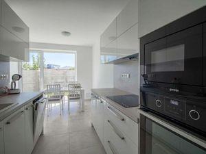 Moderný 5-izbový rodinný dom na skok od Bratislavy, skolaudovaná novostavba, možnosť dokončenia na k