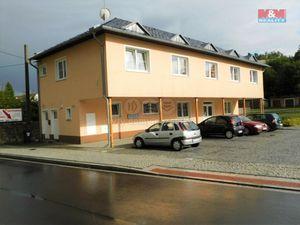 Prodej domu 9+kk v Plesné, ul. Náměstí Svobody