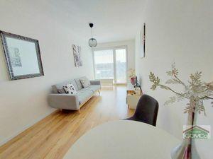 Moderný  svetlý 2- izbový byt  v minimalistickom štýle v novostavbe  Jarabinky