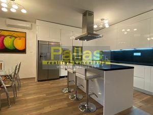 PREDAJ luxusnej novostavby 4-izbového bytu s parkingom - CENTRUM
