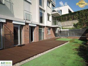 Prenájom 4 izbového  bytu so záhradou v novostavbe Fialkove údolie