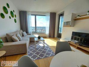 Na prenájom nový 2 izbový byt s výhľadom na hrad na 14.poschodí, balkón, garážové státie v cene
