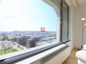HERRYS - na prenájom 2 izbový byt v Sky parku s výhľadom na hrad