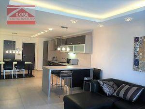 Ponúkame na prenájom 3–izbový moderne zariadený byt v novostavbe na ulici Na Revíne na Kramároch.