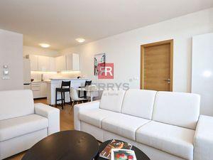 HERRYS, Prenájom 3 izbového moderného apartmánu na 24.p. poschodí v projekte PANORAMA CITY
