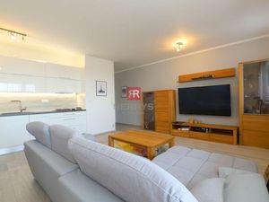 HERRYS - Na prenájom pekný  2 izbový byt s terasou na Klenovej, parking