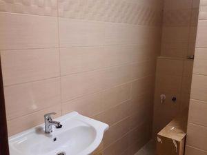 Predáme 2 izbový 50m2 byt s 7,02 m2 balkonom, 3min od AT hraníc, 15  min cesty od SR hraníc len za 6