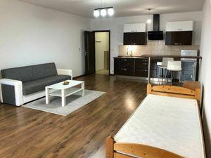 Na predaj veľký 1i byt s balkónom Karlova Ves