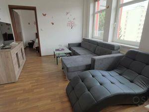 2 izbový byt s balkónom, rekonštrukcia v r. 2013, 1x parkovanie