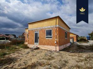 IRG | Novostavba | Slnečný bungalov na krásnom pozemku v obci Gajary