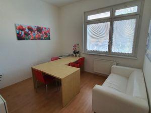 Investícia - kancelária aj prechodné bývanie v BA