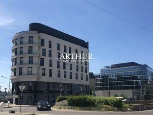 ARTHUR - Veľký komerčný priestor v centre - prenájom