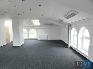 85 m2 – samostatný, príjemný priestor so sprchou